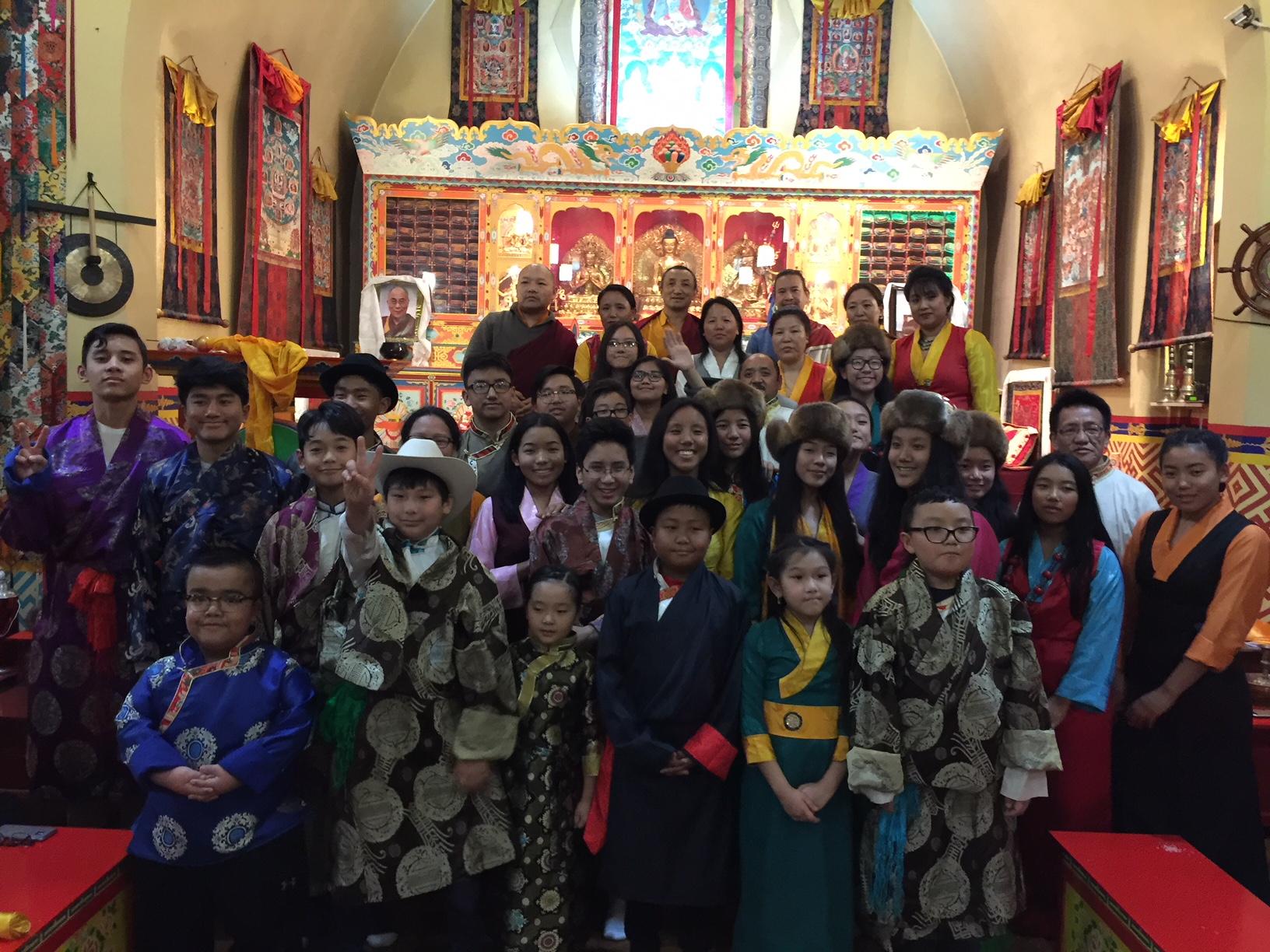 अमेरिकामा जन्मिएका बालबालिकाको बौद्ध शिक्षा मोह (फोटो फिचर)