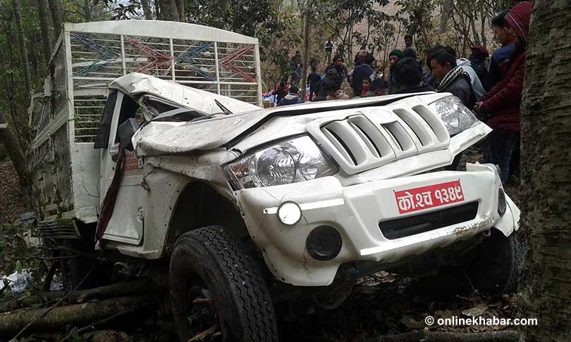 काठमाडौंबाट सोलुखुम्बु जाँदै गरेको को २ च १३४९ नम्बरको जिप ओखलढुंगामा दुर्घटना