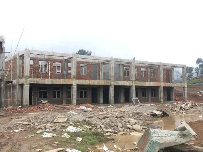 विद्यालयको २० कोठे भवन तिब्ररू रूपमा निर्माण हुदै