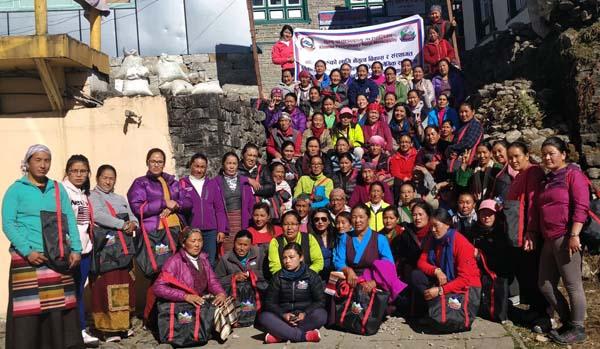 खुम्बु पासाङल्हमु गाउँपालिकामा ३ दिने तालिम, ७० जना महिला सहभागी
