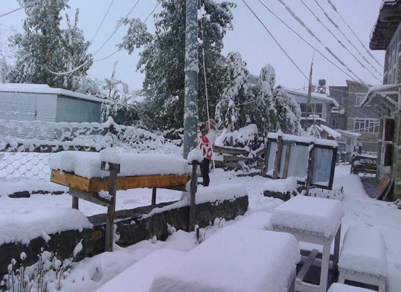 मनाङमा लगातार हिमपात, माइनस २० डिग्रीमा झर्यो तापक्रम