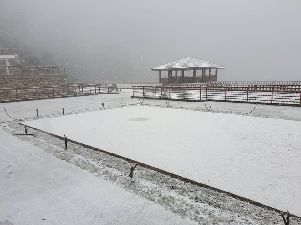 काठमाडौं वरपरका डाँडासहित उच्च पहाडी र हिमाली भेगका धेरैजसो स्थानमा हिमपात