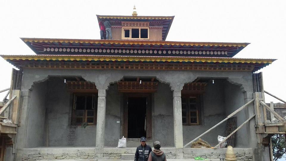 सोलुखुम्बुको लिखुपिके ५ भकान्जेमा गुम्बा निर्माणको कामले तिब्र लिँदै अबको एक महिनामा सबै काम सम्पन्न हुने