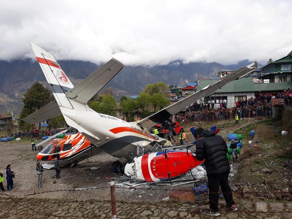 लुक्लामा समीट एयरको बिमान दुर्घटना,२ जना मृत्यु ३ जना घाइते