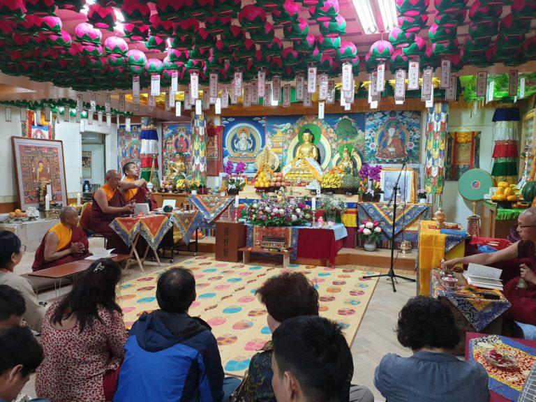 सउल नेपाल गुम्बाले मनायो बुद्ध जयन्ती