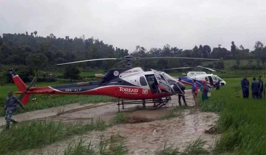 लुक्लाबाट काठमाडौं आउन लागेका ७ हेलिकप्टर पाँचखाल र नेपालथोकमा आकस्मिक अवतरण