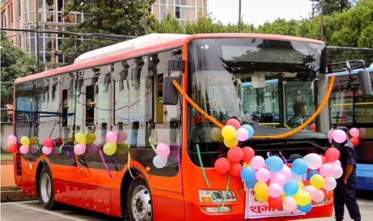 काठमाडौंमा सुरु भयो विद्युतीय बस सेवा, भाडामा २० प्रतिशत छुट