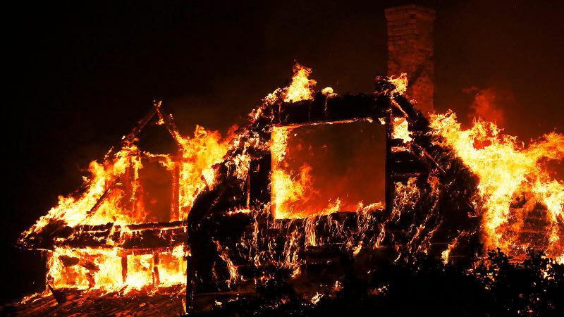 सोलुखुम्बुमा ग्यासबाट सल्किएको आगोले २ करोड बढीको क्षति ।