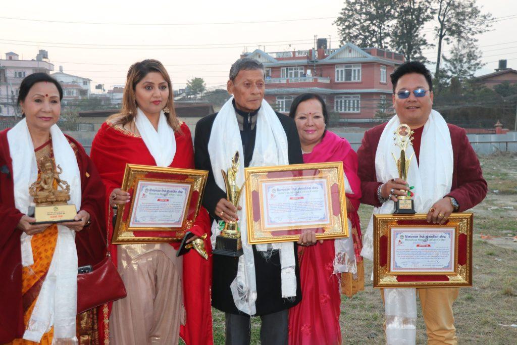 साम्दे शेर्पा पुरस्कार धुर्व,दीपाश्री र आङ फुर्वालाई