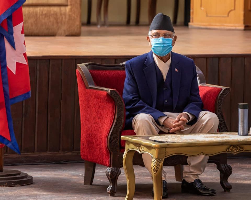 ओलीको प्रवृत्ति गोमन सर्पको जस्तो छ : चन्द्रप्रकाश मैनाली